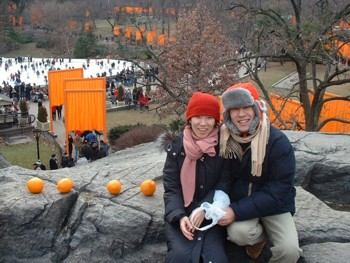 Photo of Japanese couple with oranges at The Gates